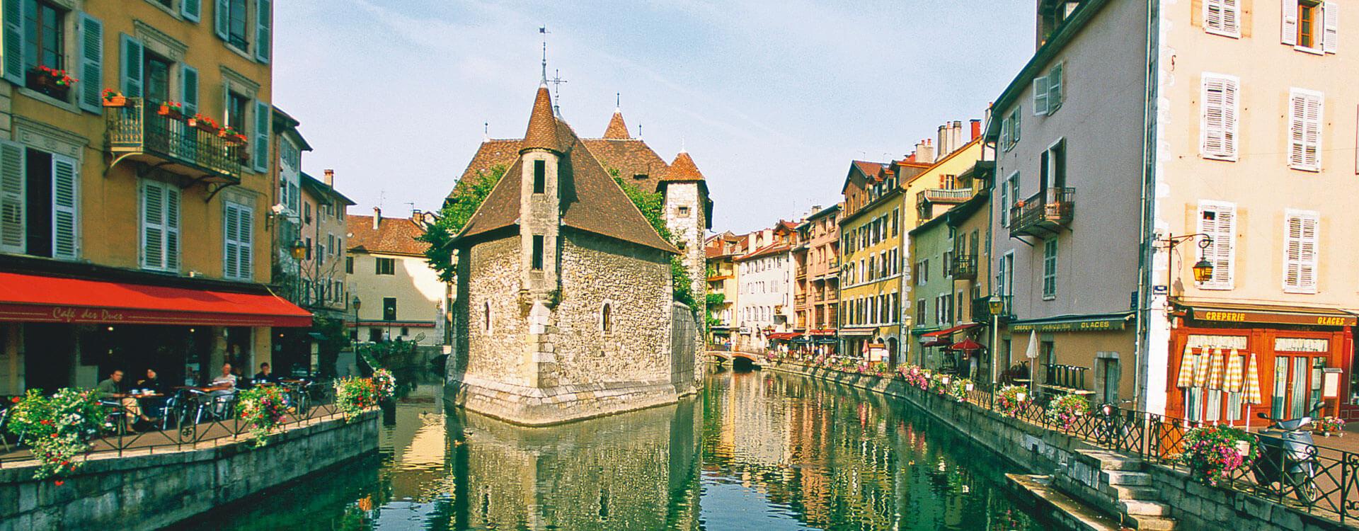 Annecy - Hôtel et résidence La Villa du Lac à Divonne